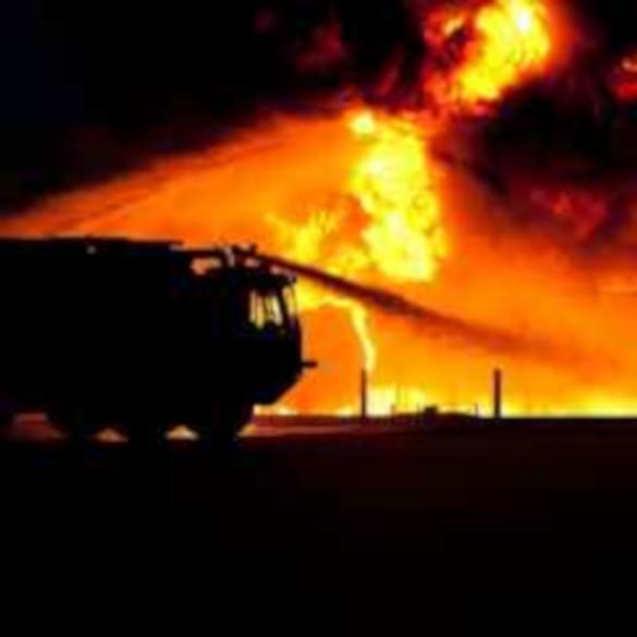 Пожарным удалось спасти 25 человек из горящей квартиры в Москве. 14003.jpeg