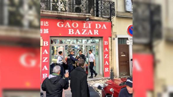 В Марселе на участников акции в память о жертвах обрушения домов упал балкон. 14005.jpeg