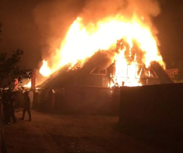 Росгвардейцы спасли пять человек из горящего дома в Алтайском крае. 14022.jpeg