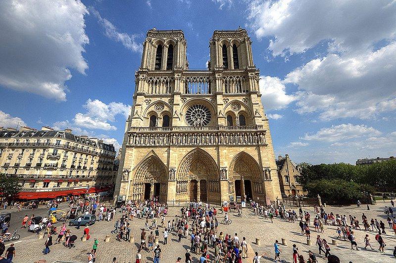 Как пожар в Соборе Парижской Богоматери отразится на турпотоке - комментарий эксперта. Собор, Собор Парижской Богоматери, Нотр-Дам, туризм, Париж, Франция