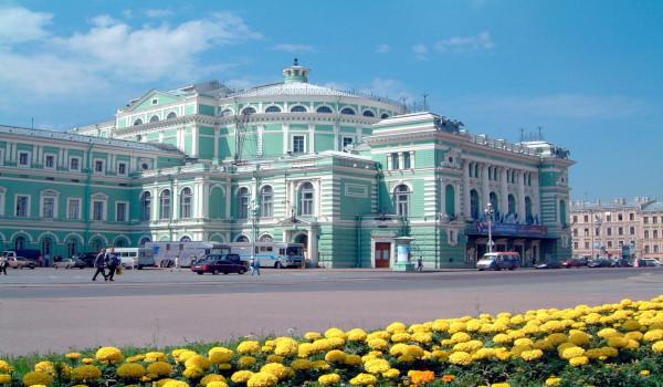 Худрук Мариинки недоволен затянувшейся стройкой перед театром. строительство, театр, Мариинский театр