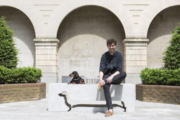 В Лондоне появились оригинальные скамейки. 14056.jpeg