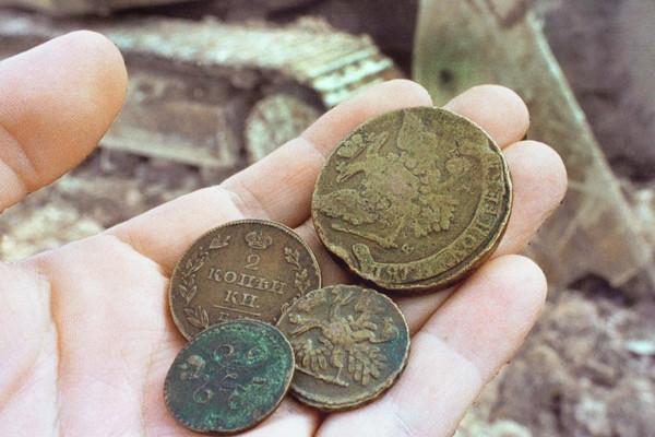 В центре Москвы нашли клад из медных и серебряных монет. 15058.jpeg