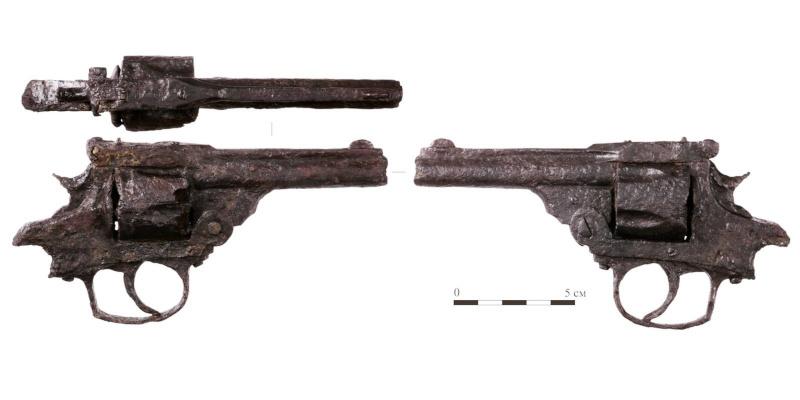 В центре Москвы археологи нашли американский револьвер XIX века. археология, клад, оружие, револьвер, пистолет, Москва