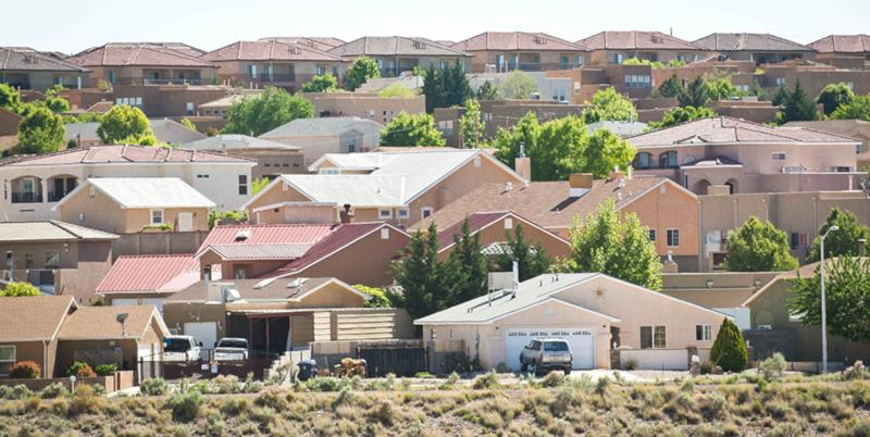 Около четверти молодых американцев живут вместе с родителями. дом, квартира, родители, американцы, США
