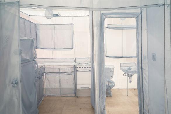 Корейский художник сшил из ткани историю своих переездов. 14075.jpeg
