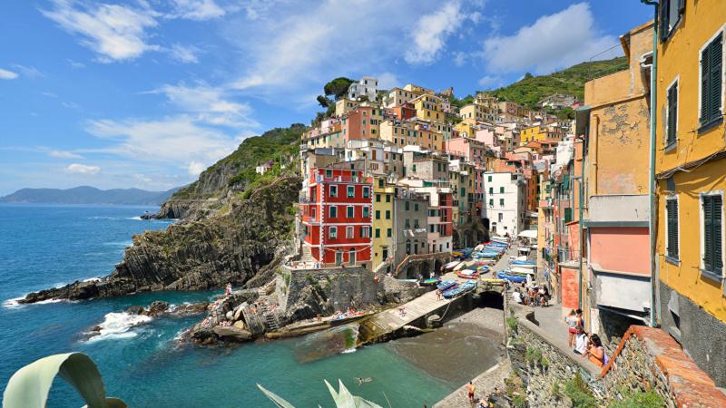В Италии выставили на продажу сотни домов за один евро. дом, продажа, евро, Муссомели, Италия