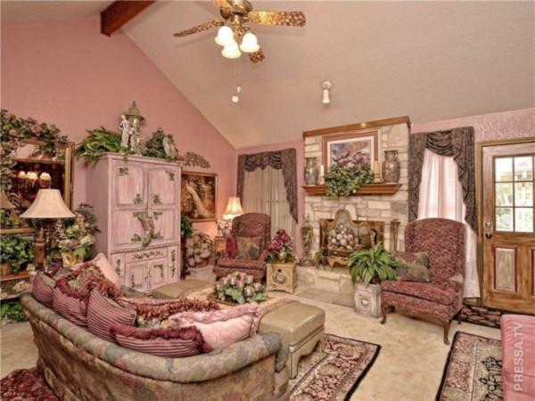 Уродливый дом в Техасе выставили на продажу за 400 000 $. дом, розовый, декупаж, продажа, Техас