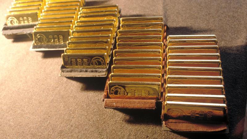 Из квартиры в Петербурге украли пятнадцать золотых слитков. дом, квартира, кража, слитки, золото, Петербург