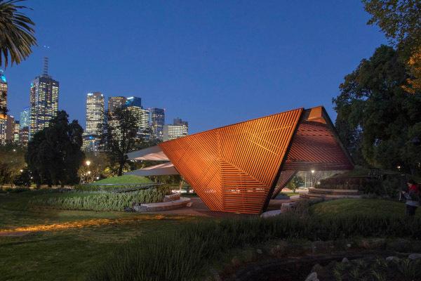 Дизайнеры в Мельбурге построили павильон-оригами. 14208.jpeg