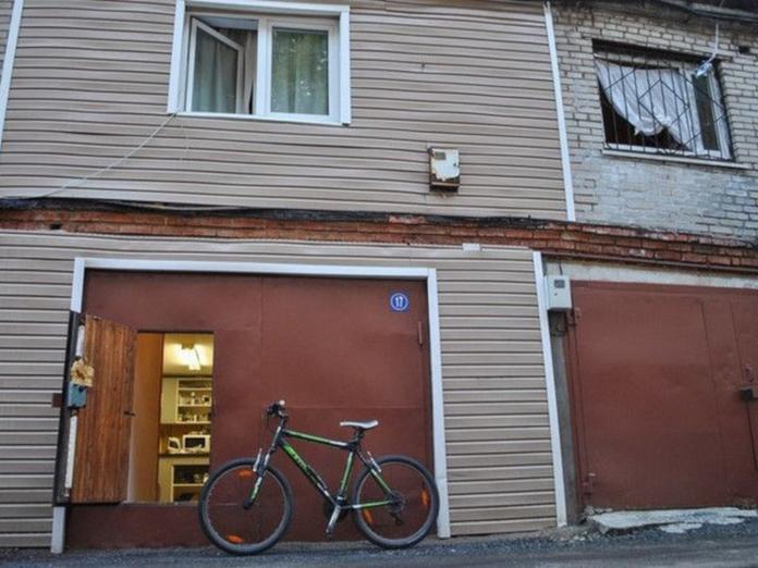 Жители Москвы обустраивают гаражи для жилья - комментарий эксперта. дом, квартира, гараж, Москва