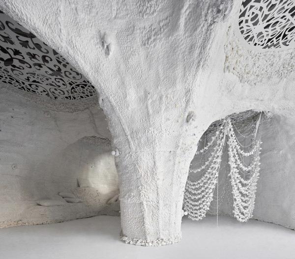 В центре Мадрида появилась белая пещера. 14259.jpeg