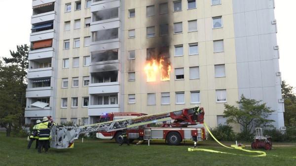 В Германии из-за электросамоката чуть не сгорел девятиэтажный дом. дом, квартира, электросамокат, Германия