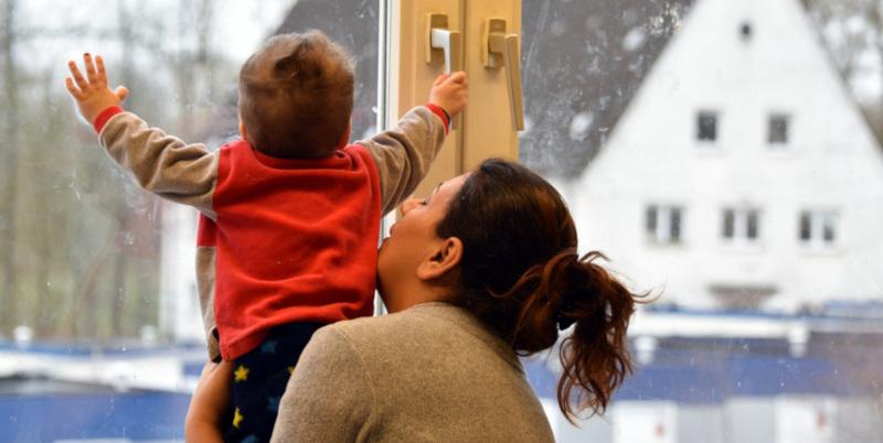 Рошаль предложил обязать застройщиков ставить ограничители на окна. дом, квартира, окна, застройщики, дети, врач, Рошаль