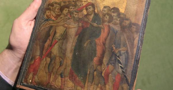 Висевшая над плитой француженки картина оказалась шедевром XIII века. дом, интерьер, плита, картина, шедевр, Франция
