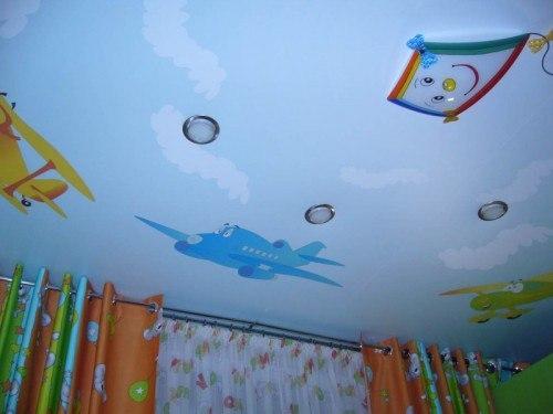 Потолок в детской: фото, способы оформления