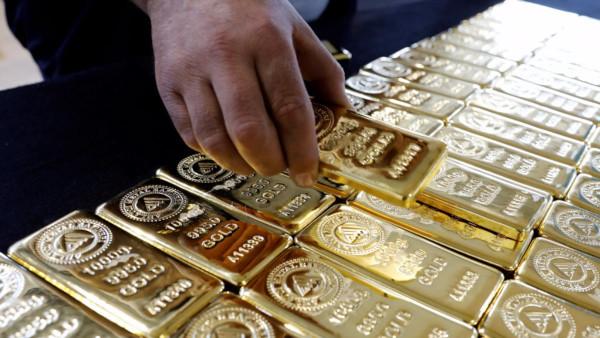 Грозит смертная казнь: у китайского чиновника дома нашли 13,5 тонны золота. дом, полиция, обыск, золото, чиновник, мэр Ганьчжоу, Чжан Ци, Китай
