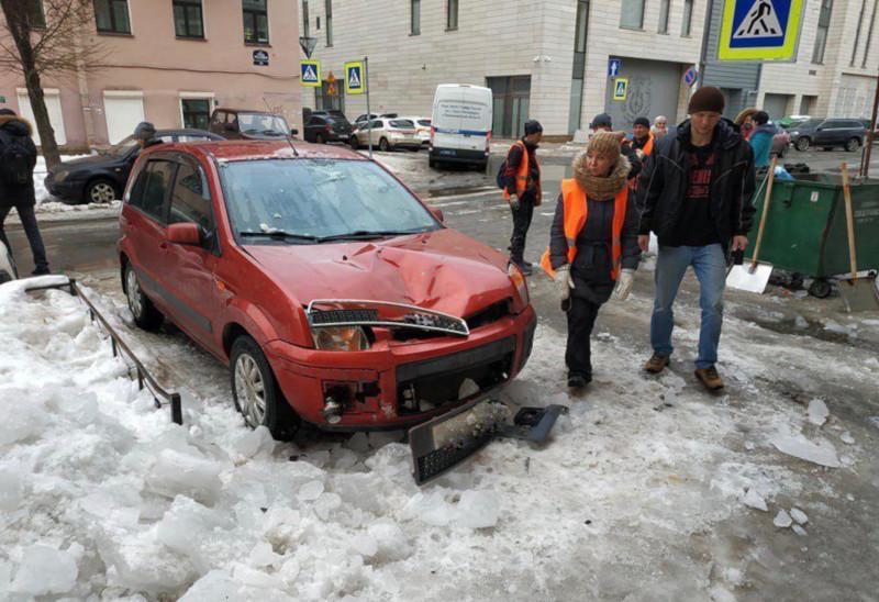 «Не сдержал эмоций и назвал её курицей». Скрипач Мариинского театра отвоёвывает у ЖКС компенсацию за разбитый льдом автомобиль. 15342.jpeg