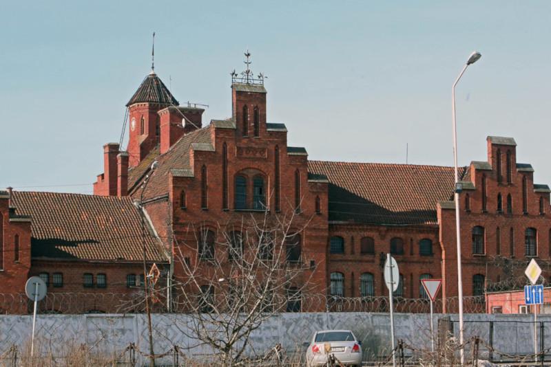 Заключенные покинут Тевтонский замок в Калининградской области в 2020 году. 15359.jpeg