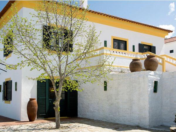 Французский архитектора сделал из старой португальской винодельни эклектичный отель. 14364.jpeg