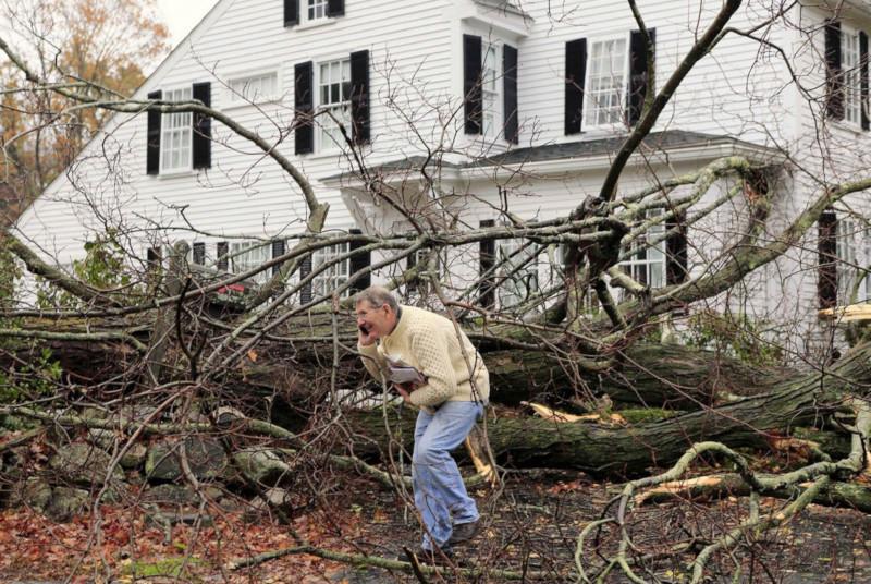 Более 20 тысяч американцев остались без света из-за ураганов. 15367.jpeg