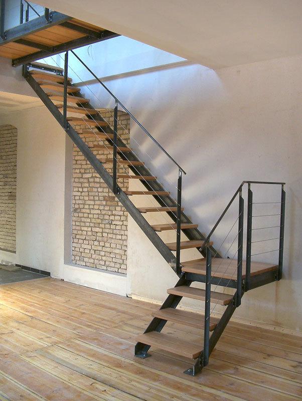 Лестницы для дома на второй этаж. 13375.jpeg
