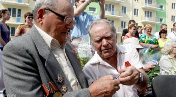 Власти Петербурга обеспечат новым жильем 40 ветеранов войны к 2020 году. квартира, жилье, ветераны, власти Петербурга, Петербург
