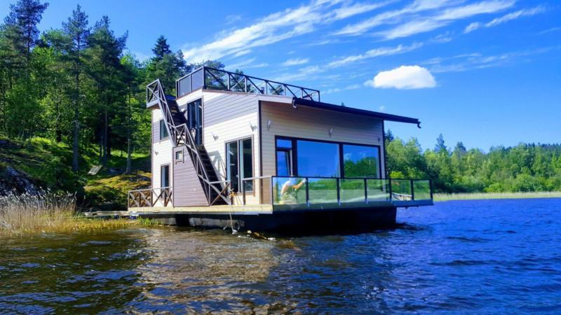 Россияне полюбили селиться в плавучих домах и лодочных сараях. дом, квартира, плавучий дом, лодочный сарай