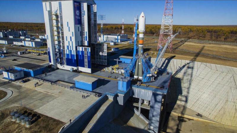 Медведев заявил об угрозе срыва сроков строительства космодрома Восточный. строительство, космодром, космос, Медведев