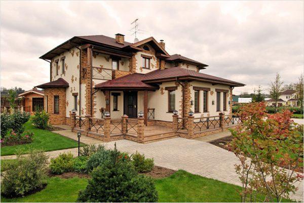 Декоративная отделка фасада загородного дома. 15474.jpeg