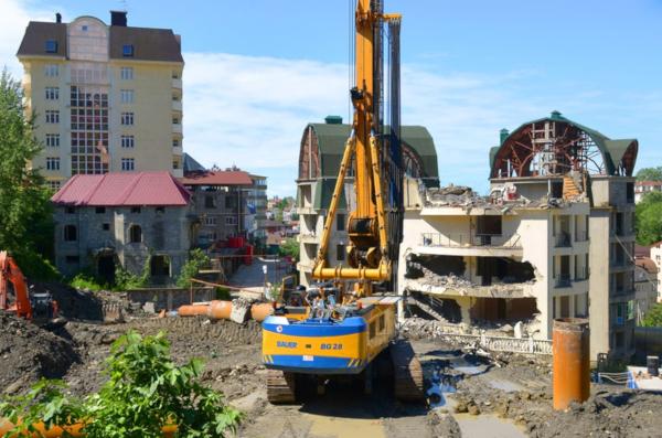 Власти Сочи приступили к сносу жилого комплекса на берегу моря. 14476.jpeg