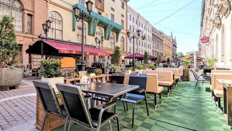 Московские рестораторы готовятся к открытию сезона летних кафе. 15487.jpeg