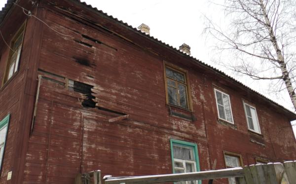 В Петрозаводске жители получают счета за обслуживание полусгоревшего дома. 14488.png