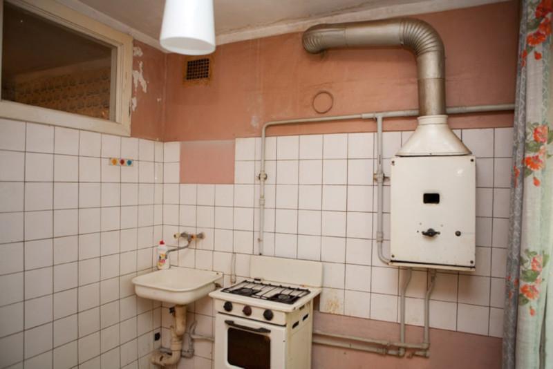 Квартира за 3000 рублей в месяц: туалет в общем коридоре, вода из колонки. 15521.jpeg