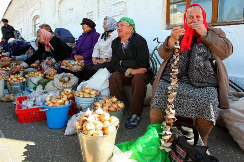 Пенсионеры получат площадку для продажи овощей и фруктов возле площади Победы. 15529.jpeg