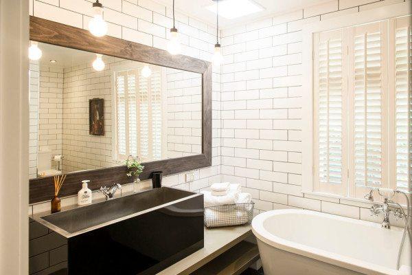 Какое выбрать зеркало и как его установить в ванной комнате. 14646.jpeg