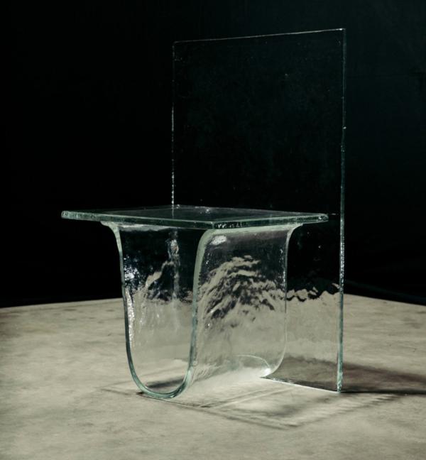 Дизайнер из Японии разработал мебель из стекла. 14715.jpeg
