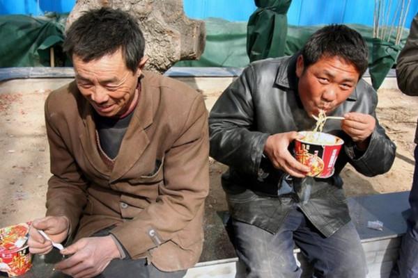 Пскович незаконно зарегистрировал в своем доме выходцев из Китая и Узбекистана. дом, квартира, мигрант, регистрация, Псков, Узбекистан, Китай