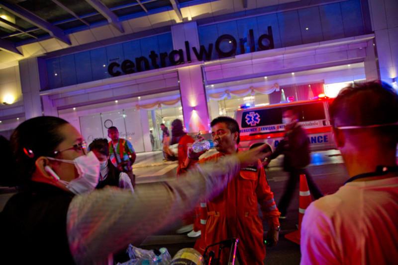 В Бангкоке загорелся крупнейший отель Centara Grand. 15798.jpeg