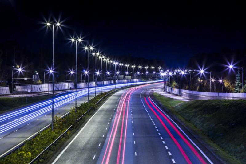 На вылетных магистралях в Москве установят