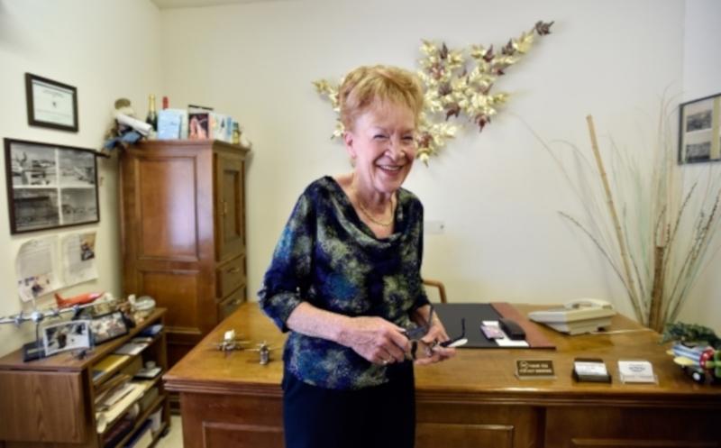 Пожилая американка продает собственный город. 15816.jpeg