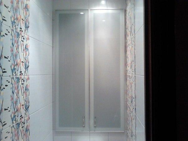 Вариант дверцы из рамочного алюминиевого профиля и стекла или зеркала на сантехнический люк в санузле.. Вариант дверцы из рамочного 1