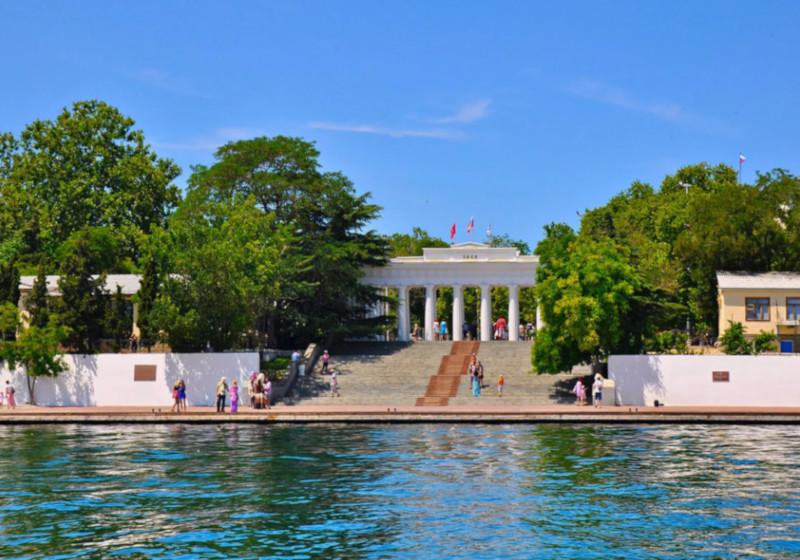 В Севастополе отреставрируют Графскую пристань и Памятник затопленным кораблям. графская пристань, памятник затопленным кораблям, флот, реставрация, Севастополь