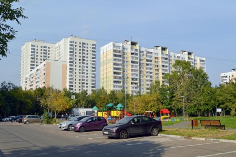 Москвич поселился в машине из-за ссоры с женой. дом, квартира, муж, жена, ссора, машина