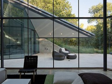 Новый тренд: стеклянные дома - стоит ли?