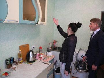 В Сочи 10 детей-сирот получили квартиры после вмешательства прокуратуры