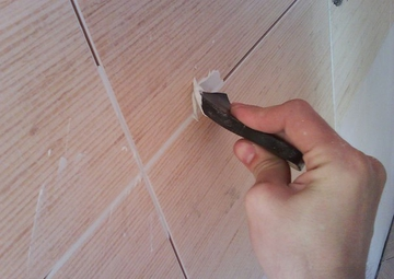 Технология выполнения затирки швов после укладки кафеля