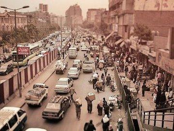В Египте строят эстакаду в 50 см от жилых домов