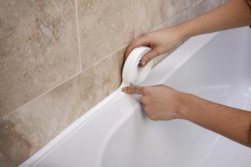 Герметизация швов вокруг ванны