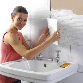Почему отваливается плитка в ванной